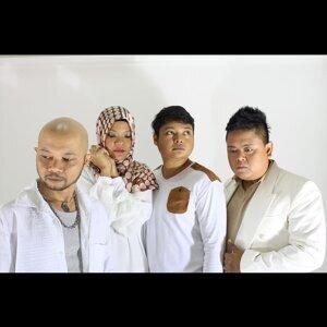 Akur (feat. 2KangKata & Erma Maulood)