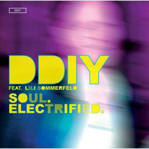 Soul. Electrified. [feat. Lili Sommerfeld]