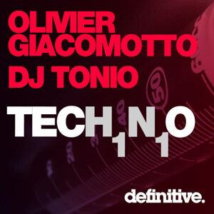 Tech1n1o