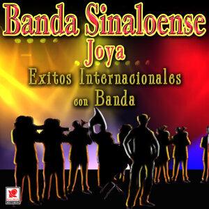 Exitos Internacionales Con Banda