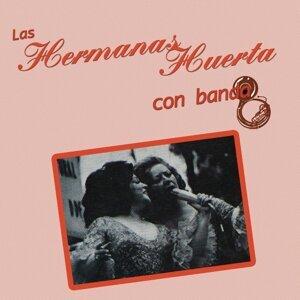 Las Hermanas Huerta Con Banda