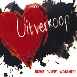 """Nuwe """"Live"""" Worship"""