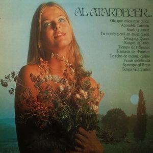 Al Atardecer
