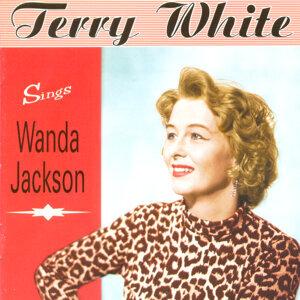 Sings Wanda Jackson (Tribute)