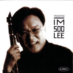 Presenting Im-Soo Lee