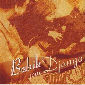 Babik joue Django