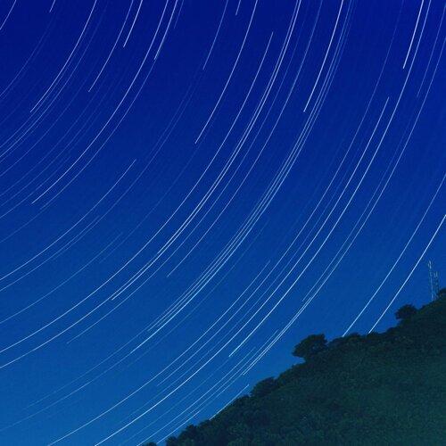 夜はそのまなざしの先に流れる (Yoru Wa Sono Manazashi No Sakini Nagareru)