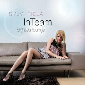 In Team Eighties Lounge