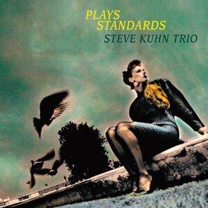 Plays Standards (Plays Standards)
