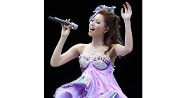 A-Lin小巨蛋處女唱 性感美腿深V美胸齊發