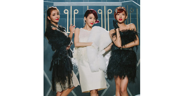 Dream Girls化身小妖精性感扭跳「框框舞」