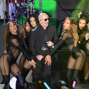 Pitbull一秒把小巨蛋變夜店!