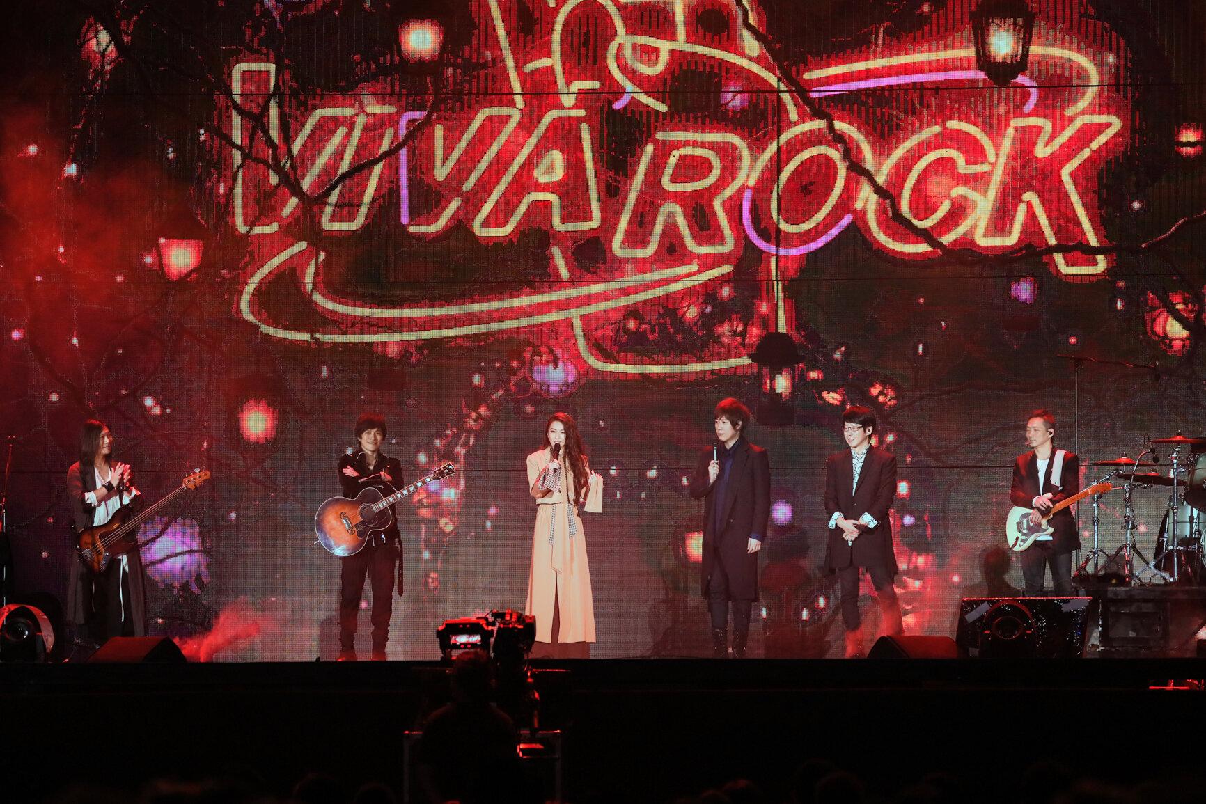 田馥甄担任五月天演唱会嘉宾同台飙唱,台中歌迷真的超幸福!