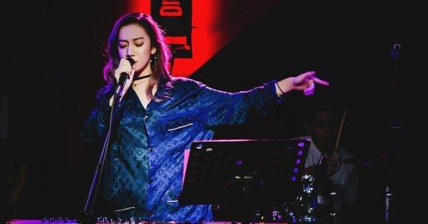 以 R&B 劃亮台北夜空:Julia Wu「遇見彼此」個人首唱會
