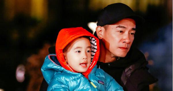 「爸爸5」最終站,陳小春獻唱《獨家記憶》惹哭暖爸萌娃
