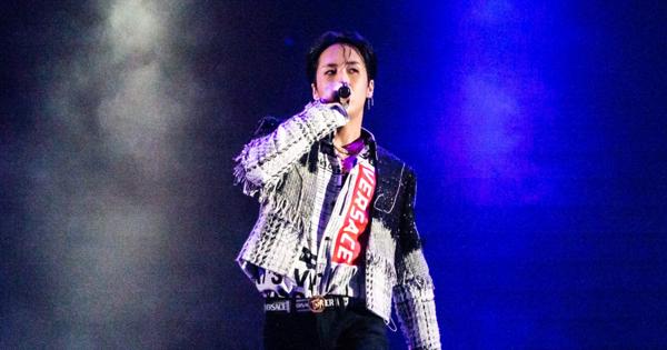 RAVI 首場台北演唱會 大露腹肌烙台語要粉絲「作伙玩」