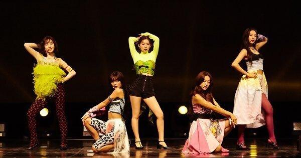 Red Velvet 新歌〈Zimzalabim〉灵感来自咒语!超糗放送事故全员大笑场