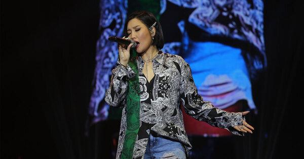 【现场直击】高海拔都没问题 A-Lin云顶铁肺开唱稳如泰山!