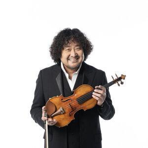Taro Hakase (葉加瀬太郎)
