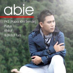 Abie 歌手頭像