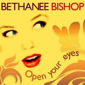 Bethanee Bishop アーティスト写真