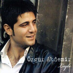 Özgür Akdemir 歌手頭像