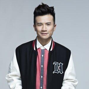 梁釗峰 (Leung Chiu Fung) 歌手頭像