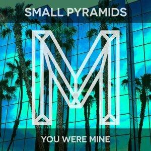 Small Pyramids 歌手頭像