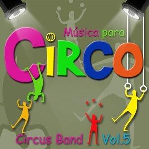 Circus Band 歌手頭像