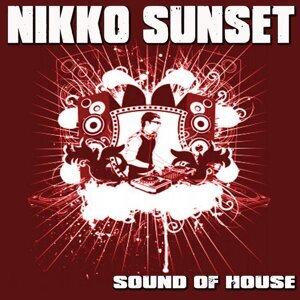 Nikko Sunset 歌手頭像