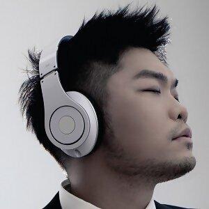 Nicky Lee (李玖哲)