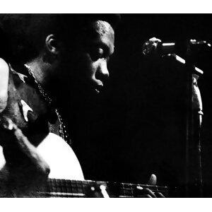 Milton Nascimento (米爾頓納斯克曼多) 歌手頭像