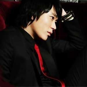 曹成模 (Jo Sung Mo)