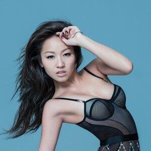 Stephanie Cheng (鄭融) アーティスト写真