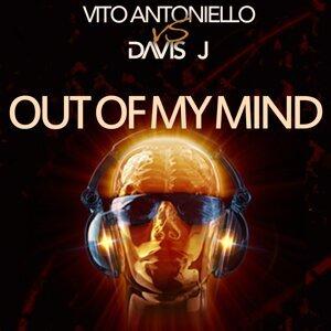 Vito Antoniello, Davis J 歌手頭像