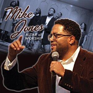 Mike Jones (麥克瓊斯)