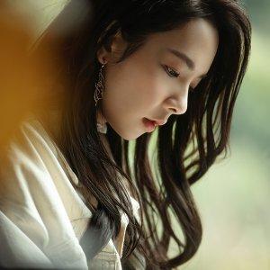 滴妹 (Crown Du) Artist photo
