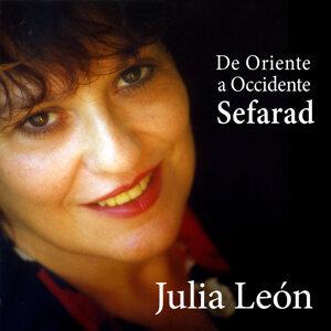 Julia León