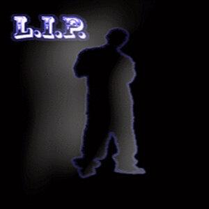 L I P 歌手頭像