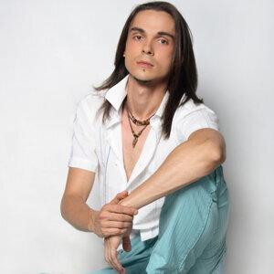 Sergiu 歌手頭像