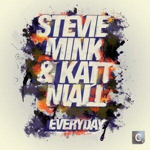 Stevie Mink & Katt Niall