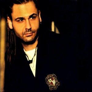 Armağan Berk 歌手頭像