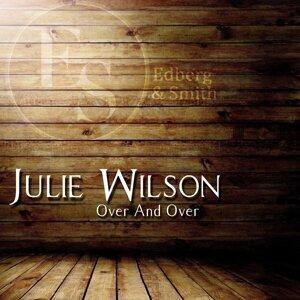 Julie Wilson 歌手頭像