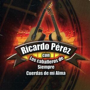 Ricardo Pérez con los Caballeros de Siempre