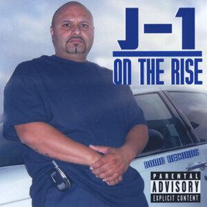 J-1 歌手頭像