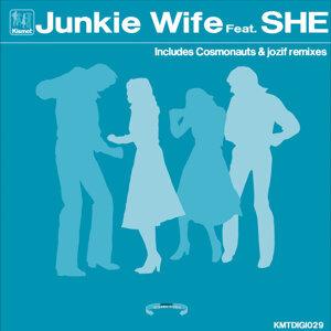 Junkie Wife 歌手頭像