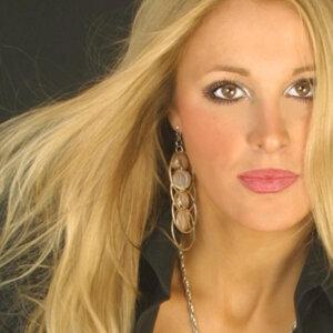 Clare Thomasa 歌手頭像