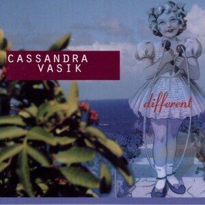 Cassandra Vasik 歌手頭像