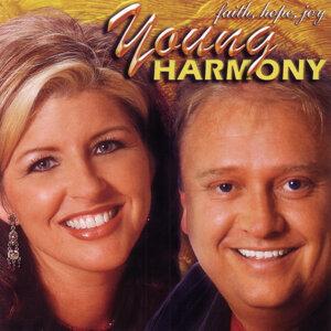 Young Harmony 歌手頭像