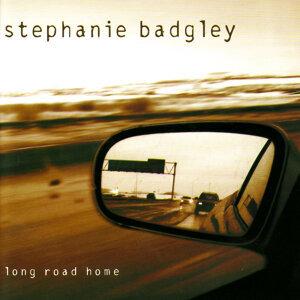 Stephanie Badgley 歌手頭像